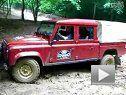 陆虎卫士泥地爬坡精彩视频